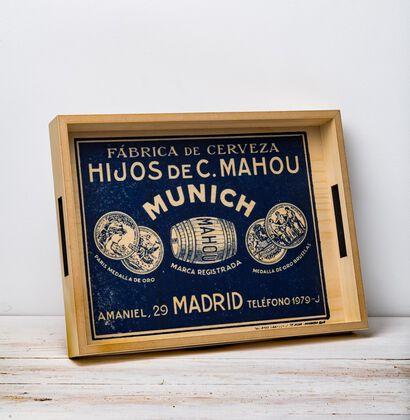 Bandeja madera retro H. Casimiro Mahou Roja